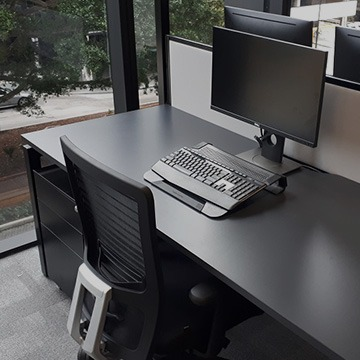 dunbraefurnitureconcepts-projects-office-desk-conference-tables